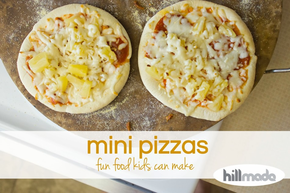 hillmade.blogspot.com mini pizzas- fun food kids can make