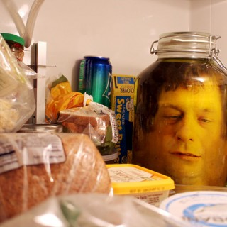 head-in-a-jar-prank-02