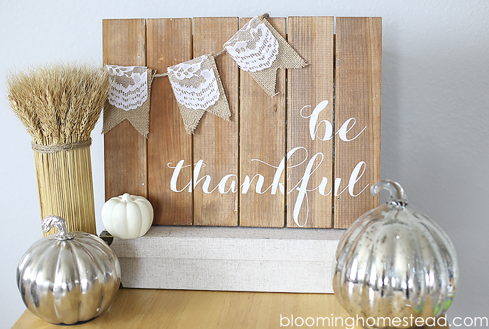 1Be-Thankful-Pallet-Art-by-Blooming-Homestead-copy-2