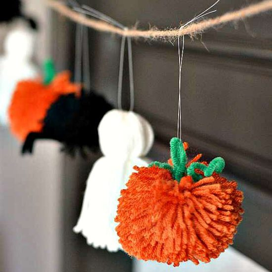 Yarn-Halloween-Garland