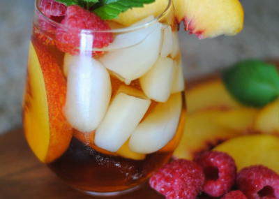 Sweet Tea Spritzer that's perfect for groups at a baby shower or with your friends at dinner!