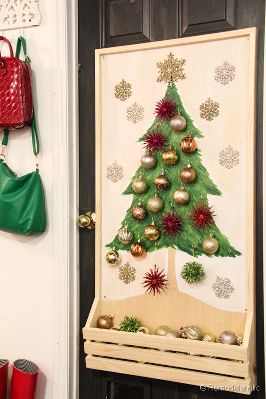 Diy advent calendars to help count down to christmas for Christmas tree advent calendar diy