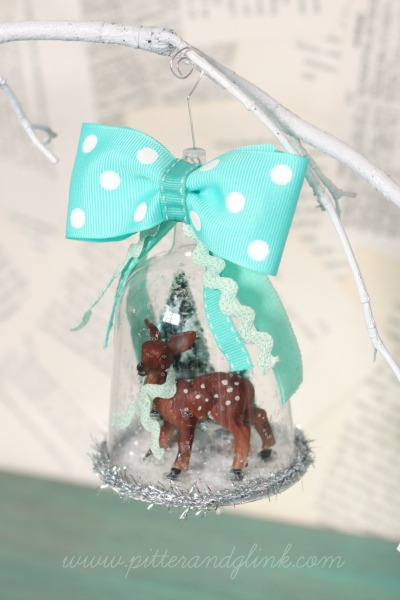 Deer Snow Globe: These creative handmade ornaments will add a special touch to your Christmas tree this season!