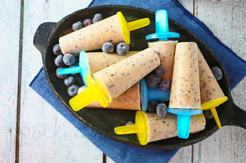 Banana Blueberry Smoothie Pops from Kleinworth & Co.