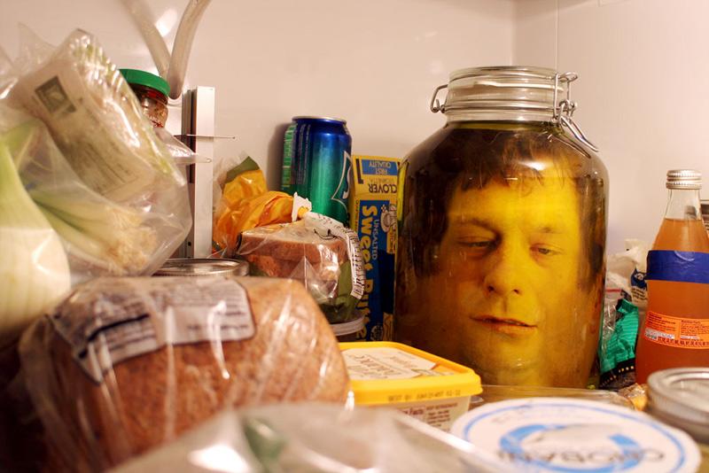 head-in-a-jar-prank-02