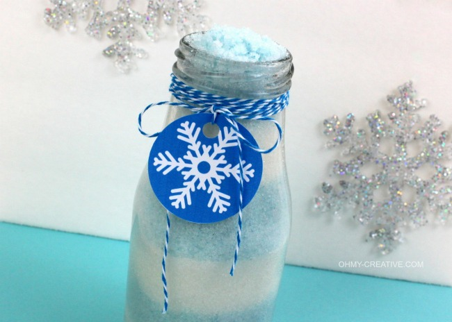 This-Disney-Inspired-Frozen-Sugar-Scrub-with-FREE-Snowflake-Printable-Tag-is-an-easy-to-make-gift-idea-or-party-favor-OHMY-CREATIVE.COM_