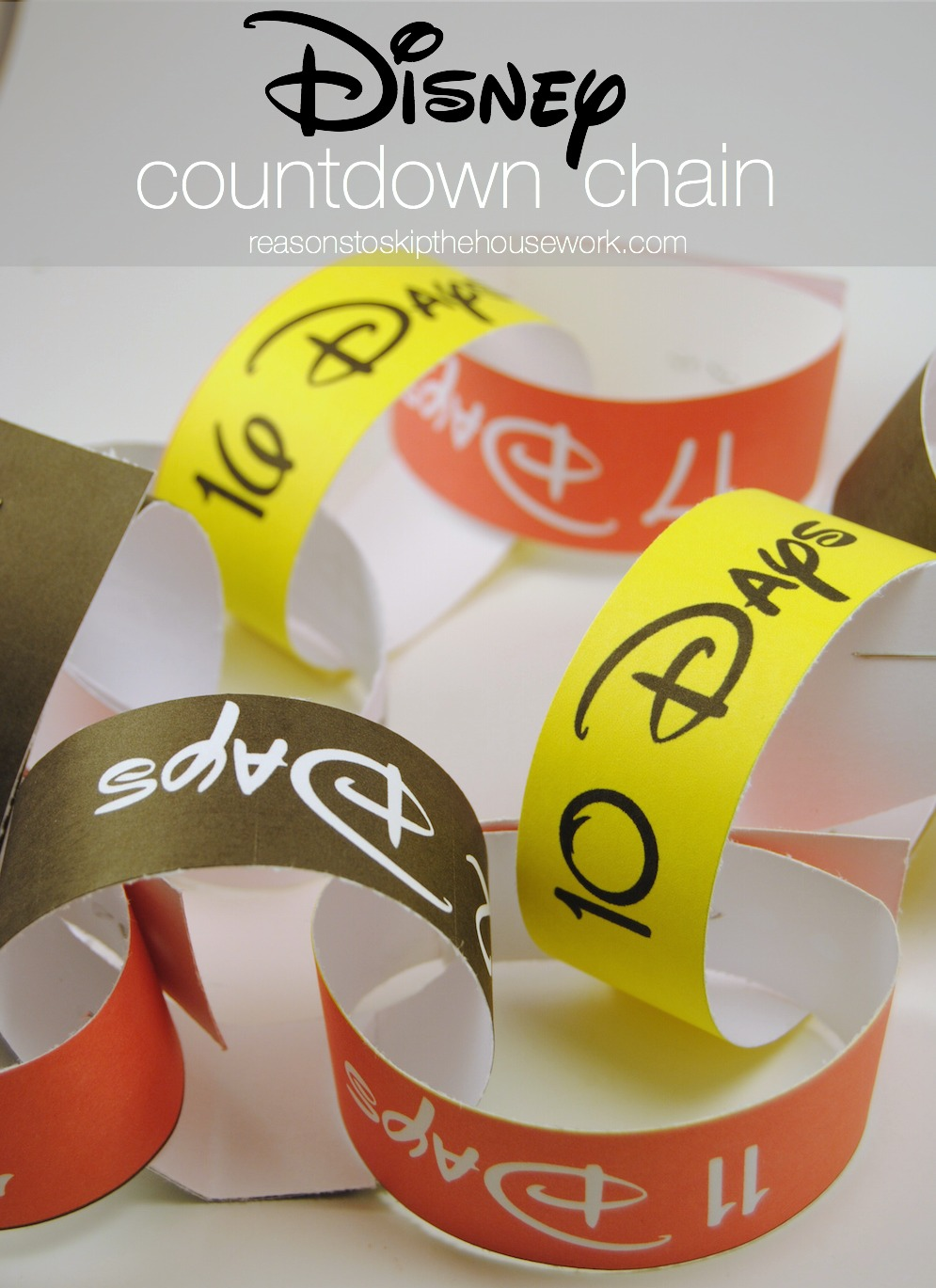 Disney Countdown Chain from www.reasonstoskipthehousework.com