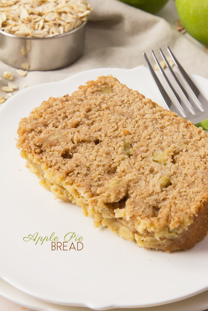 All the flavours of Apple Pie, but in a quick to make, delicious quick bread! Soft, squidgy and packed with apples and spices, this is the perfect bread for Fall!