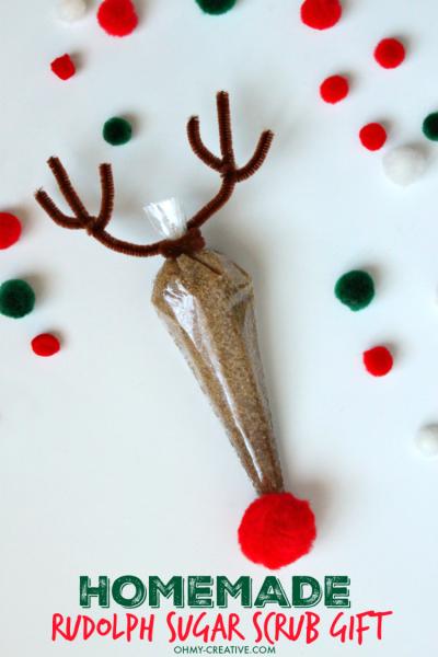 Homemade-Rudolph-Sugar-Scrub-Gift-Using-Essential-Oils-OHMY-CREATIVE.COM-2-e1448215555538