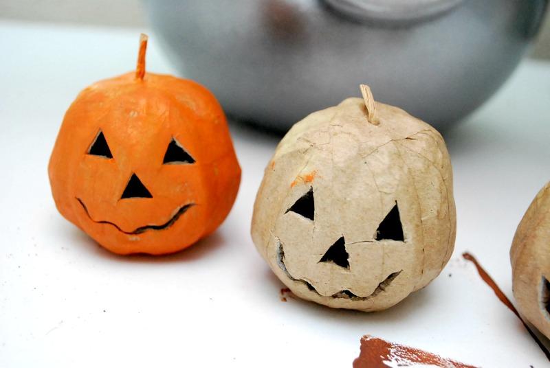 pewter-cauldron-halloween-centerpiece-8