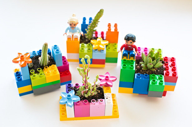 Creative ways to build LEGOS.