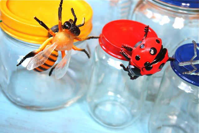 Here are some great ideas to recycle baby food jars and put them to use in fun and creative ways!