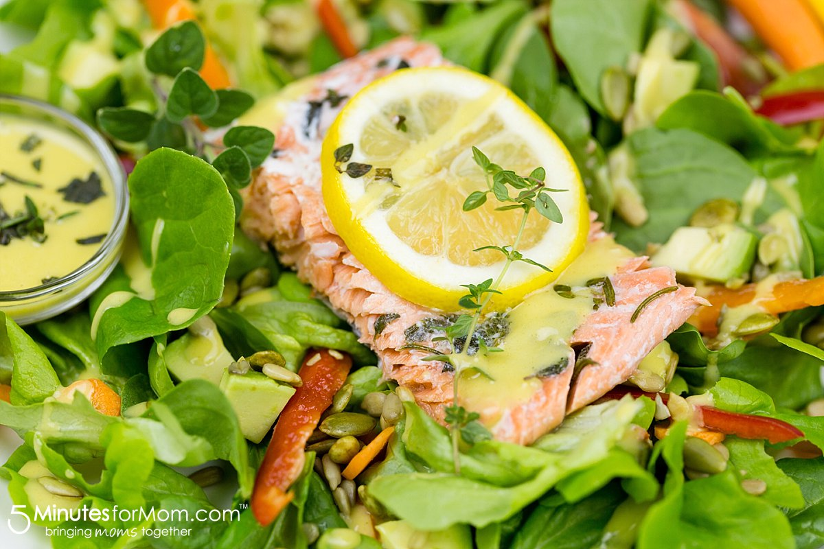 http://www.5minutesformom.com/109982/lemon-and-herb-salmon-with-honey-mustard-dressing/