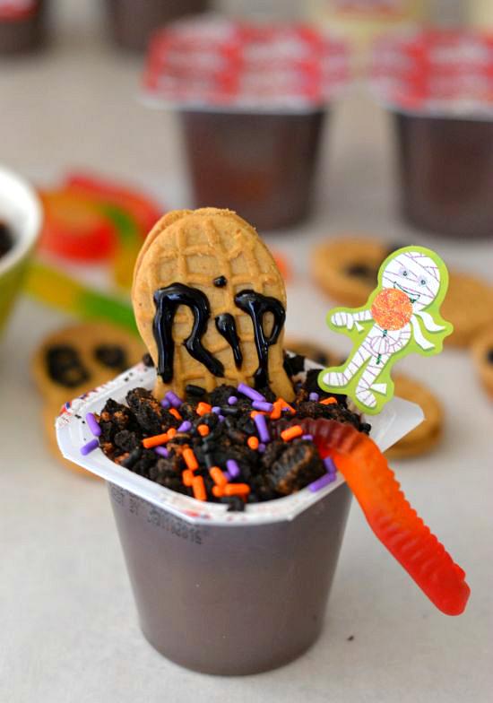 http://flouronmyface.com/easy-halloween-graveyard-pudding-cups/