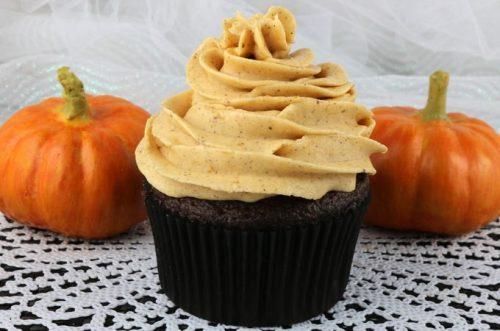 pumpkin-spice-buttercream-frosting