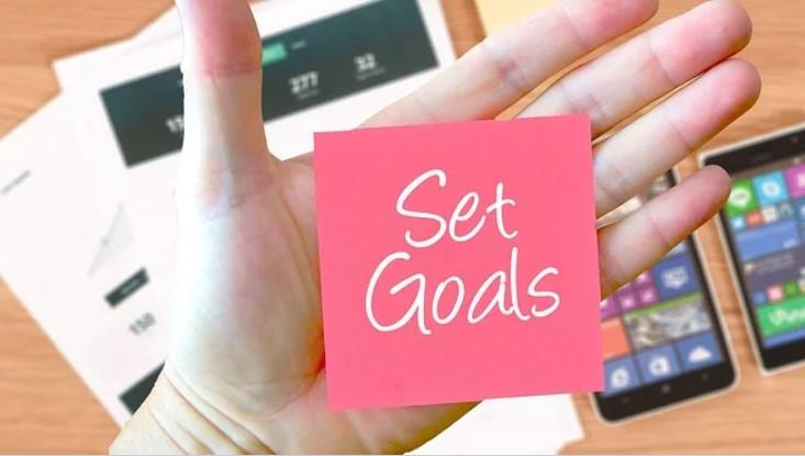 set goals to declutter